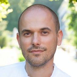Gestalttherapeut und Heldenreiseleiter Oliver von HeldenGestalt Heldenreise Berlin